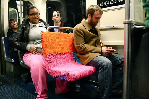 11-Yarn-bombing-the-blue-line-2